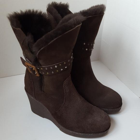2dba293c6ee Emu Naturally Australian sheepskin wedge boot